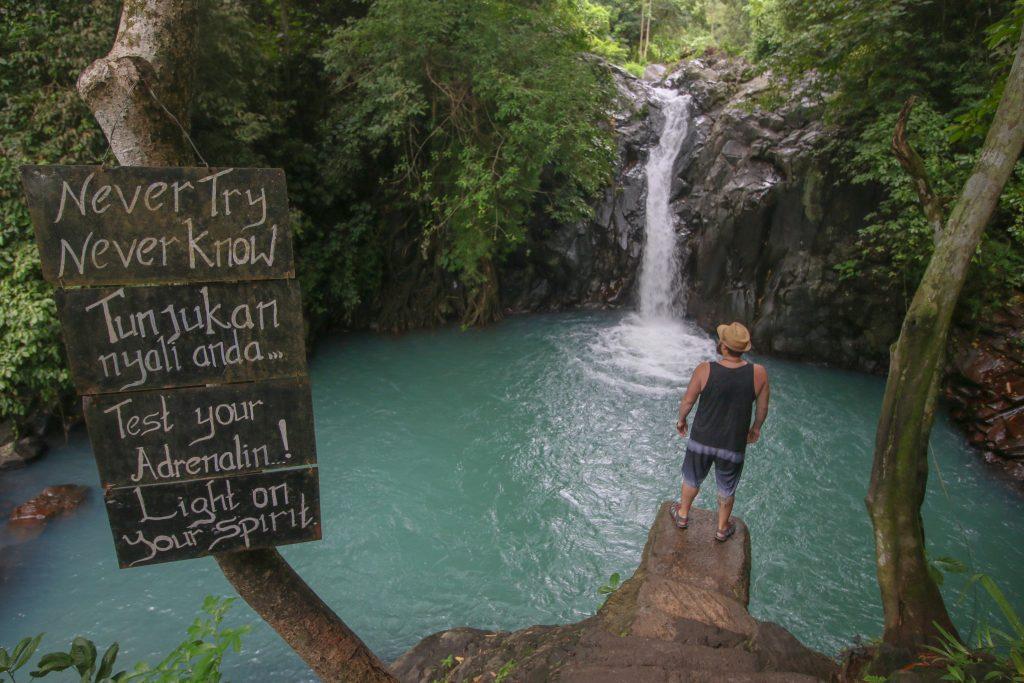 cascadas alingaling waterfall jumping 5 metros